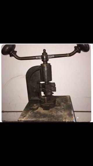Maquinaria joyería antigua.