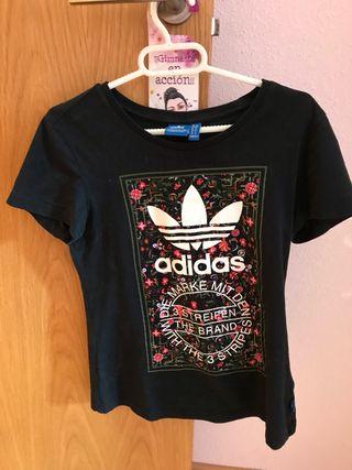 Camiseta de Adidas mujer