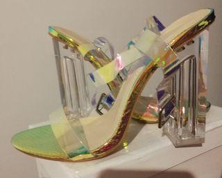Zapatos de tacon transparentes