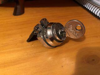 Cerradura y llave Vespa original