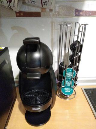 Cafetera Dolce Gusto negra en perfecto estado