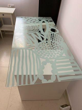 Cristal de escritorio de Ikea blanco