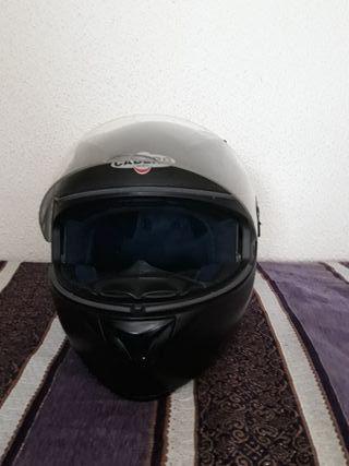 Casco moto Caberg.