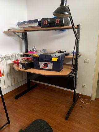 Mueble de ordenador y escritorio