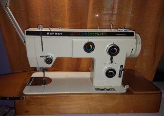 Maquina de coser Refrey 527 - Negociable