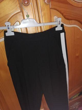 Pantalón chino con banda lateral Stradivarius