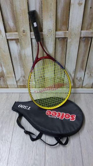 Raqueta de tenis a estrenar