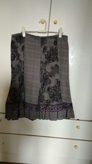 Falda larga gris con encaje T46