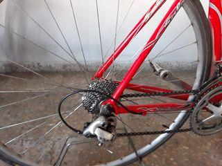 bicicleta de carreteras de carbono