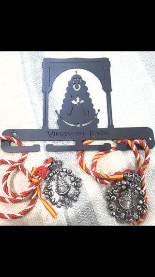Medallero-perchero de la Virgen del Rocio
