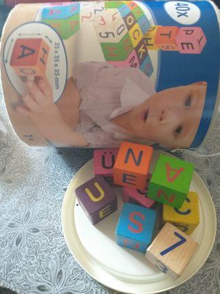 cubo madera letras