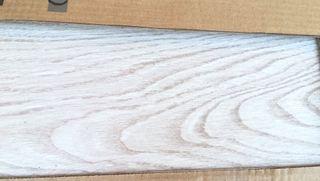 Pavimento imitación madera, gres.