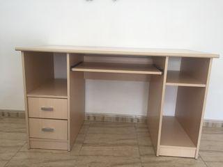Mesa de escritorio/ordenador