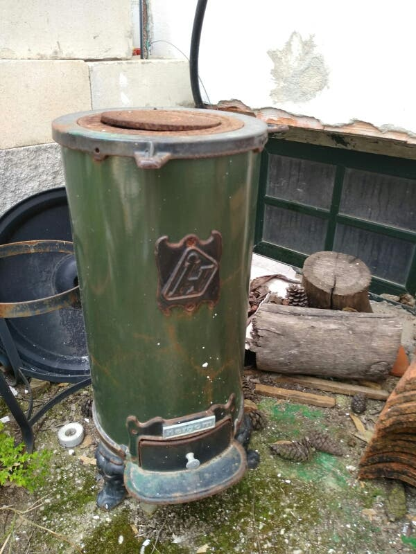 Chimenea /estufa antigua