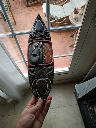 tabla de surf tallada a mano