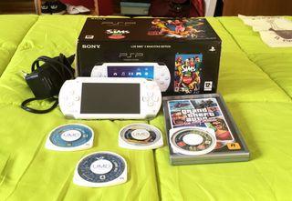 PSP + 4 juegos + Cargador.