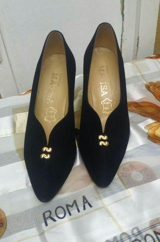 Zapatos de ante.
