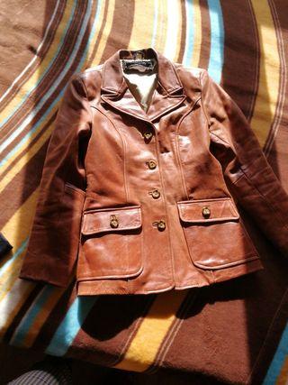 chaqueta de cuero vintage.