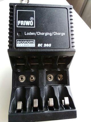 Cargador de pilas y baterías