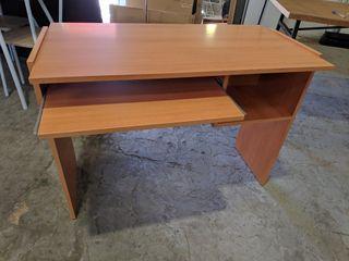 Mesa de escritorio nueva