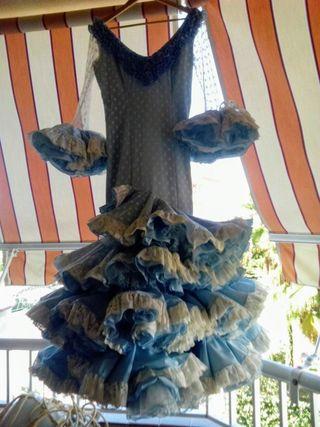 Impresionante vestido flamenca