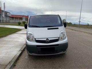 Opel Vivaro Life 2.5 CDTI