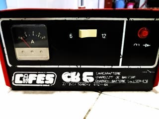 cargador de baterías coche y moto