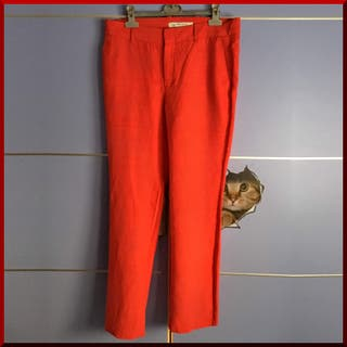 Pantalón rojo Zara
