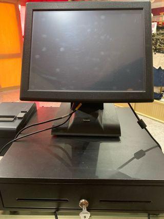 Ordenador y caja registradora