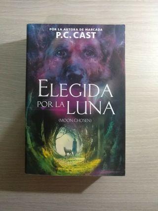 """Libro """"Elegida por la Luna"""""""