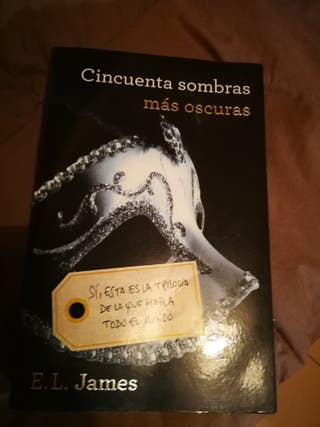 """Libro """"50 sombras más oscuras"""""""