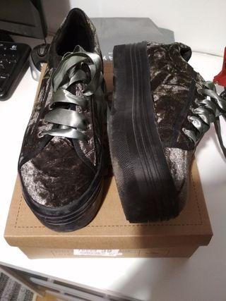 Zapatillas terciopelo verde