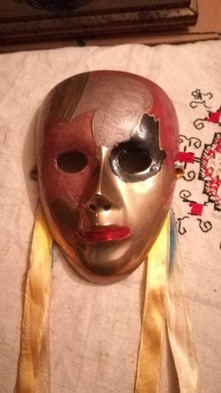 Antigua máscara de bronce o similar