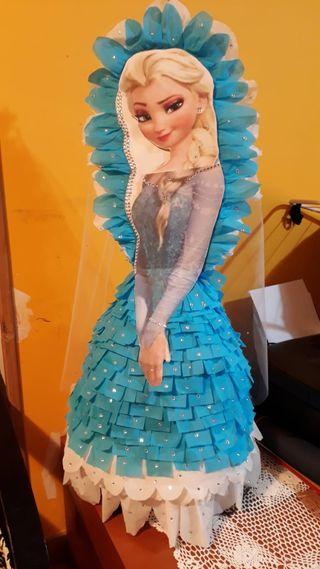 Piñata de la princesa Elsa de frosen