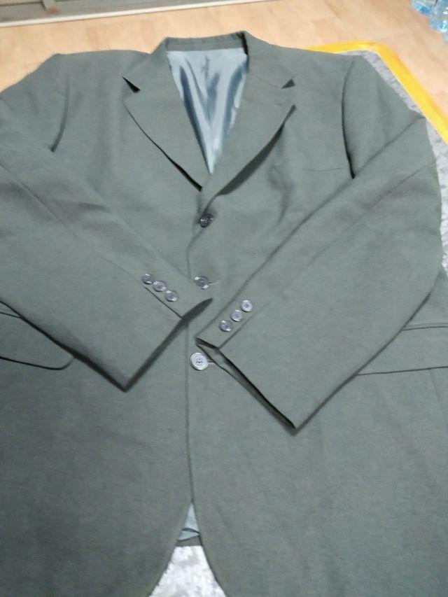 chaqueta y chaleco