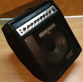 Amplificador de bajo Behringer Ultrabass BX 1200