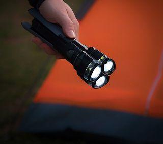 Linterna LED triple y divisible,con trípode