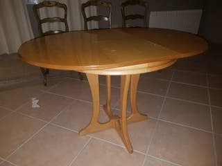 Mesa de madera pequeña