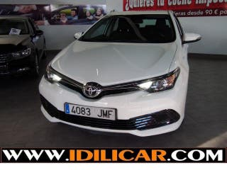 TOYOTA Auris 1.4 D-4D Business