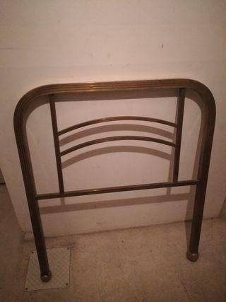 Cabecero de metal dorado Antiguo