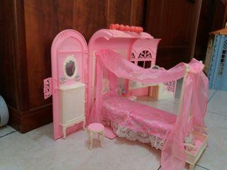 Casa rosa Barby con visillo 60 €