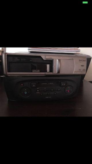 Radio y cargador cd coche