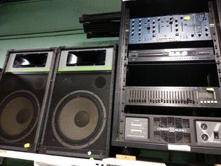 Equipo música con etapa Crest &Audio