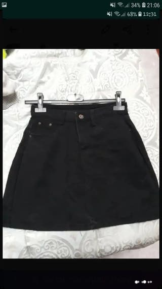 falda negra sin estrenar