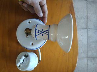 preciosa lámpara pequeña de porcelana.