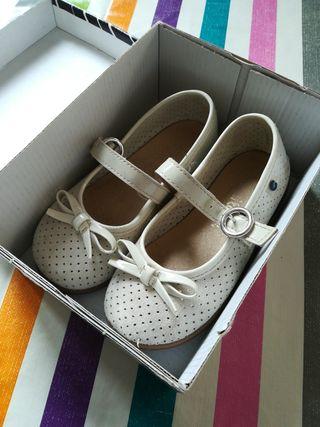 zapatos niña piel vuelta colo beige