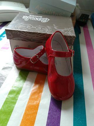 zapatos charol rojo niña