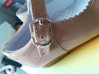 zapatos niña merceditas de charol NUEVAS