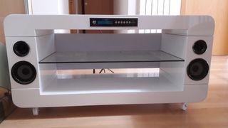 Mueble de Tv con sistema de sonido