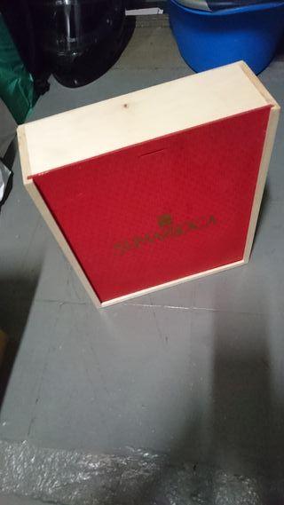 Caja de madera sumarroca